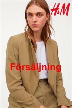 Kläder, Skor och Accessoarer erbjudanden i H&M katalogen i Hässleholm ( 7 dagar kvar )