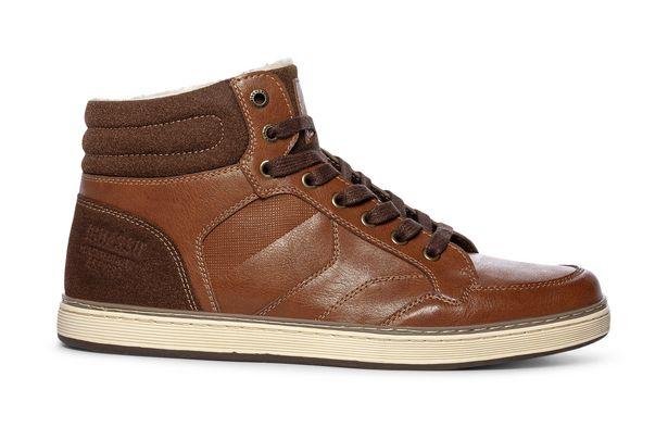 Sneakers för 599 kr