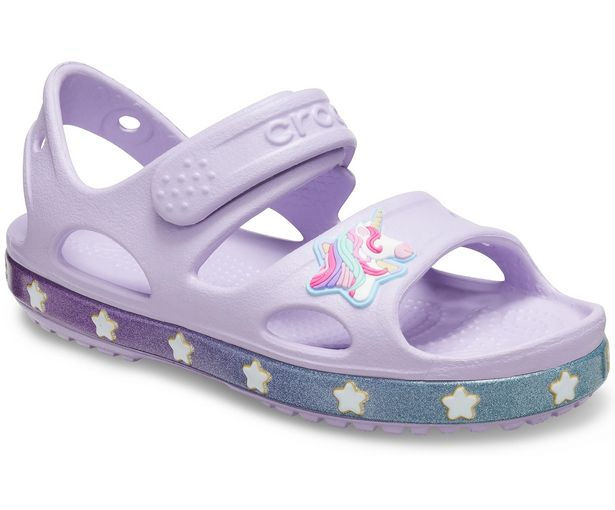 Girls' Crocs Fun Lab Unicorn Charm Sandal för 24,49 kr