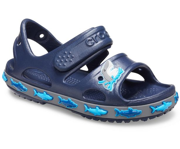 Kids' Crocs Fun Lab Shark Band Sandal för 24,49 kr