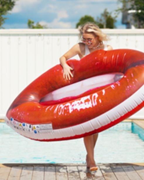 Pool Float Sweet Lips för 299 kr