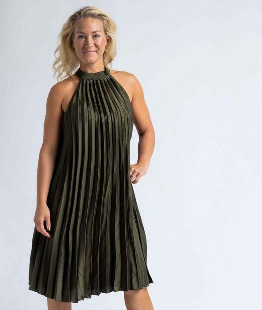 Klänning plisserad grön för 299 kr