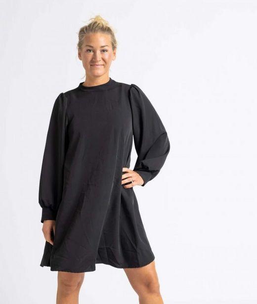 Klänning kort svart för 349 kr