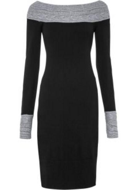 Stickad klänning med singoallaringning för 299 kr